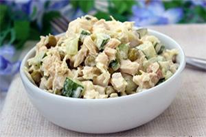 Салат с куриным филе и горошком для блога центра коррекции веса фото